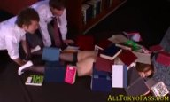 図書室で倒れた女教師のパンチラに欲情→無理やりハメて童貞卒業する鬼畜生徒