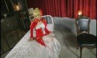 騎乗位が似合う!姫騎士コスの美女とシチュSEX